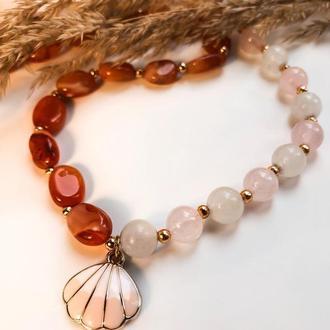 Колье-чокер из сердолика и розового кварца