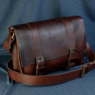 """Мужская кожаная сумка """"Кемерон"""", кожа итальянский краст, цвет  вишня"""