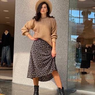 Шёлковая юбка миди в леопардовый принт в пятнышки