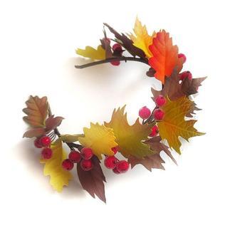осенний ободок венок с листьями и калиной