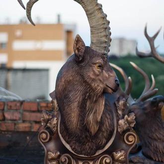 Скульптура козерога
