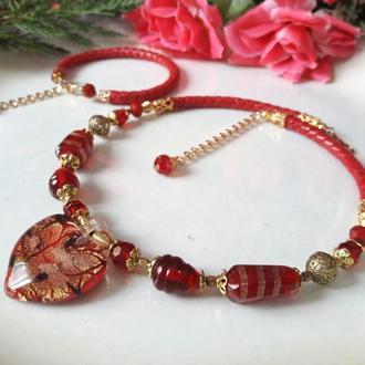 Красное колье  из венецианского стекла с браслетом.