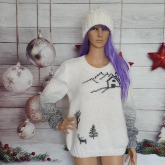 Женский зимний свитер с вышивкой