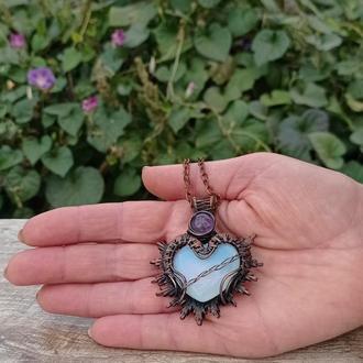Кулон сердце из медной проволоки и опалита,кулон с лунным камнем,медный кулон с аметистом.