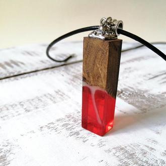 Кулон для девушки из ювелирной смолы и древесины дуба оригинальный подарок на деревянную свадьбу