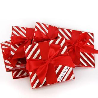 """Новогодняя открытка  """"Подарок"""""""