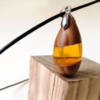 Подарок для девушки - деревянный кулон ручной работы - подарок на деревянную свадьбу