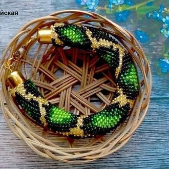 Авторское украшение на руку из бисера жгут-браслет Зеленый питон