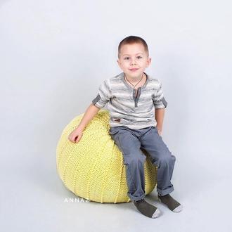Пуфик лимонный с вязаным чехлом