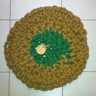 Вязаный коврик из толстой пряжи