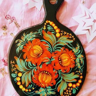 Деревянная разделочная доска из бука яблочко Рыжик Петриковская роспись