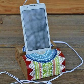 "Деревянная подставка для смартфона ""Даур"""