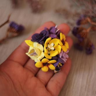 """Желто-фиолетовая брошь с цветами """"Стильный контраcт"""""""