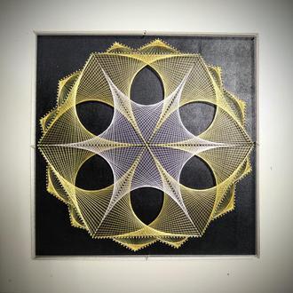 3-Д Картина-мандала в техніці String Art.
