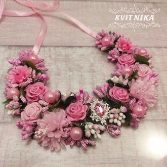 Воротник-колье с нежно розовыми цветами