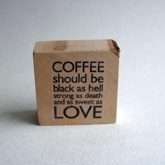 Надпись на дереве Coffe Love