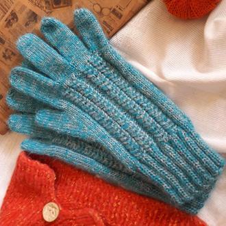 Голубые женские перчатки с косами