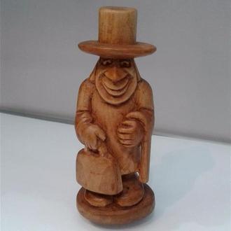 Статуэтка деревянная Мужичок с портфелем