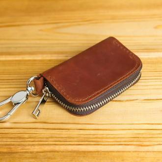Кожаный чехол для автоключа ОТТИСК МАРКИ ВАШЕГО АВТО В ПОДАРОК, винтажная кожа, цвет коньяк