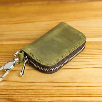 Кожаный чехол для автоключа ОТТИСК МАРКИ ВАШЕГО АВТО В ПОДАРОК, винтажная кожа, цвет  оливковый