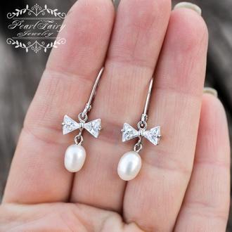 Сережки з натуральних перлів зі срібними застібками