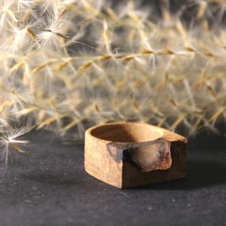 Деревянное кольцо ручной работы