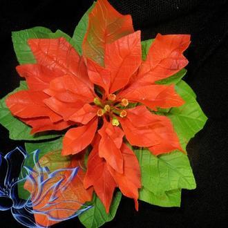 Пуансеттия (Рождественская звезда) в горшочке, холодный фарфор