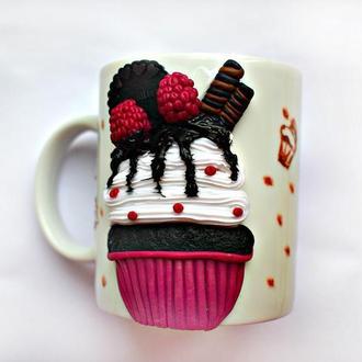 Чашка из полимерной глины, ложка с кексом из полимерной глины, чашка с кексом из полимерной глины
