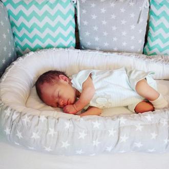 Бортики подушки в детскую кроватку, детская постель