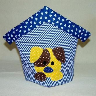 Грелка на чайник СОБАЧКА В БУДКЕ синяя в сердечко