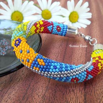 Яркий разноцветный геометрический браслет из бисера в стиле пэчворк на магнитной застежке