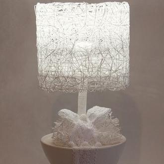 Ночник белый из декоративной сетки в горшке