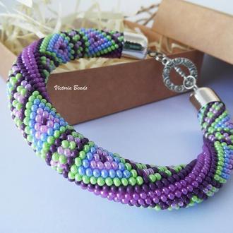 Геометрический браслет жгут из бисера фиолетово зеленого цвета