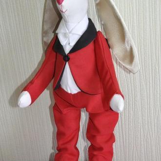 Заяц в красном костюме, кролик, зайчик тильда