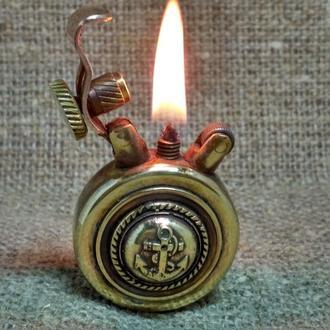 Бензиновая зажигалка ручной работы.