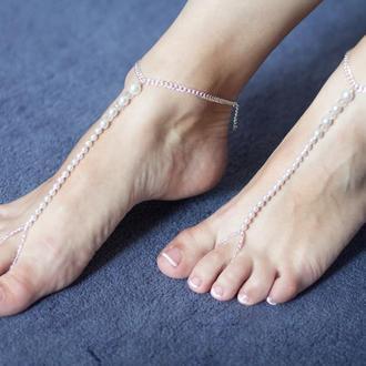 Слейв браслет на ногу из жемчуга и хрустальных бусин swarovski и цепочки