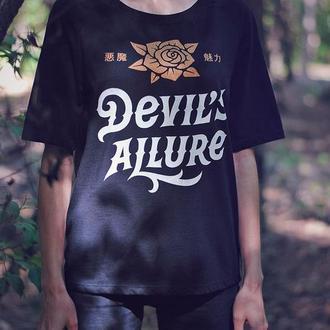 Футболка с принтом Devil's Allure