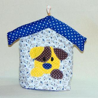 Грелка на чайник СОБАЧКА В БУДКЕ в синий цветочек