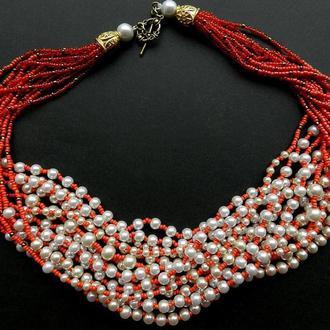 Красные бусы в украинском стиле , жемчужные бусы , многослойные массивные бусы