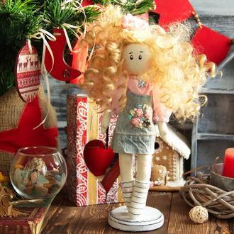 кукла на подставке