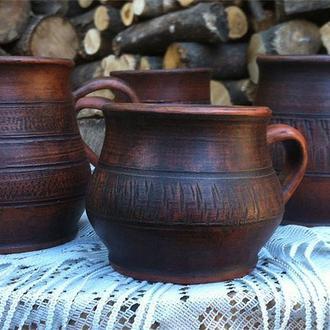 Чашки глиняные, гончарные.