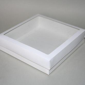 Коробка подарочная с окошком, 200х200х50 мм.
