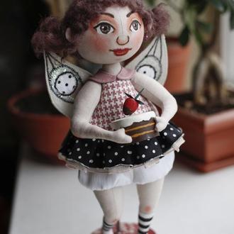 Фея с пироженкой