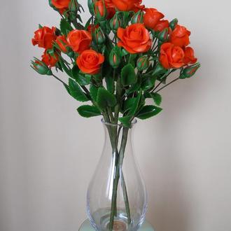 Букет кустовых роз из холодного фарфора.