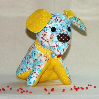 Игрушка-сувенир Щенок, желто-голубая собачка ручной работы
