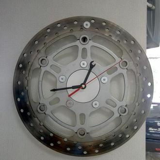 Часы настенные из автозапчастей. #автоподелки