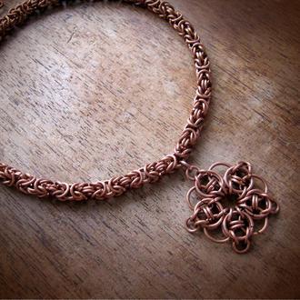 Колье - медная цепочка и подвеска Кельтская звезда. Византийское плетение