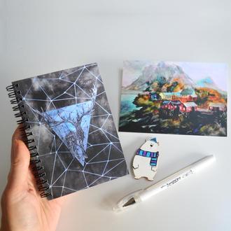 Подарочный набор: скетчбук с черными страницами, открытка, брошь, белая ручка