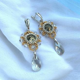 Золотые серебряные серьги с каплями кристаллами Swarovski и ювелирным бисером