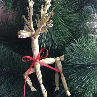 Новогодняя игрушка из соломы олень
